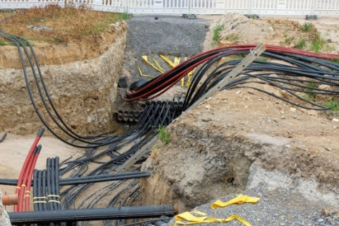underground locating services cables 480x320 service locate australia cable & pipe location experts Running Underground Electrical Wire Outside at gsmx.co